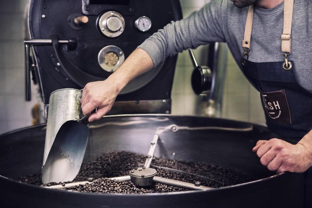 S & Team - Φωτογραφίζοντας για τη βιοτεχνία καφέ Δασύρα